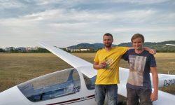 Frischgebackene Scheininhaber am Flugplatz Heppenheim